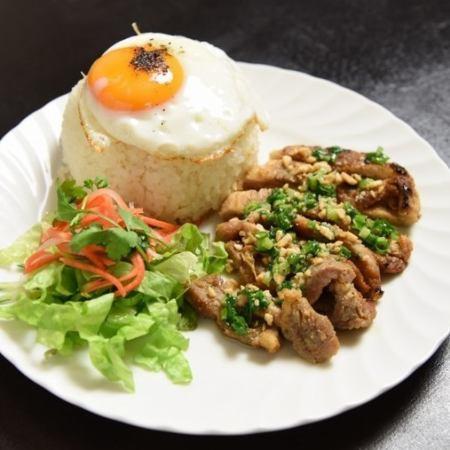 豚ロース焼きご飯 / ピリ辛豚挽肉ご飯