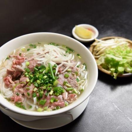 しゃぶしゃぶ牛肉のフォー / 野菜&豆腐のフォー