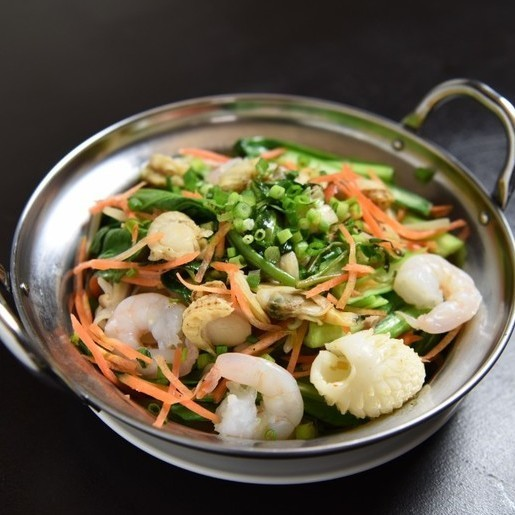 Stir-fried seafood for four