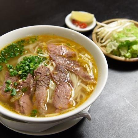 ピリ辛牛肉のビーフン / 牛肉炒めかけビーフン