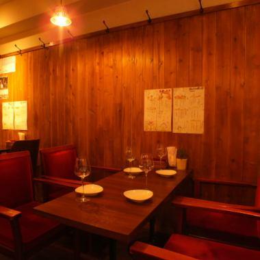 日本では珍しいネパール料理の数々を大塚駅近で楽しめる同店。ゆったりとしたソファ席は女子会やママ会など女性にも人気。ヘルシーなネパール料理は一度食べたら思わず虜に!