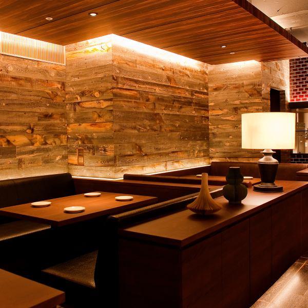 店內空間在寧靜的氛圍中,歐式氛圍與現代融為一體。您可以在意大利,西班牙和其他歐洲美食中放鬆身心並享用小酒館
