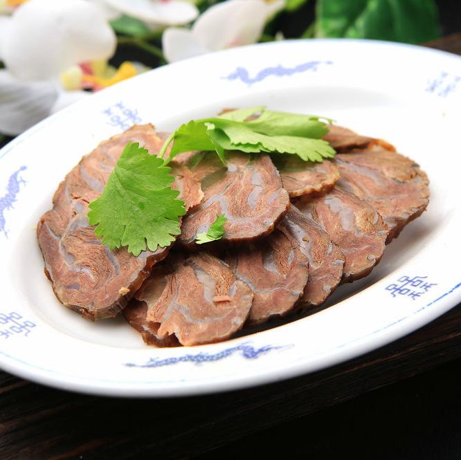 Piercing spirit of beef shank meat / salt of ice vine of pig
