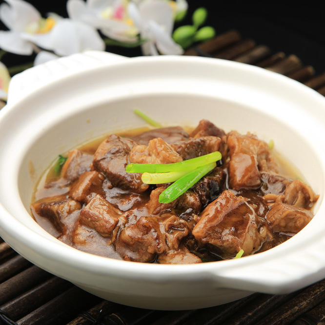 Braised pot of Guangdong style beef rose meat 【※ photo】 / Guangdong style country pans of pork belly meat