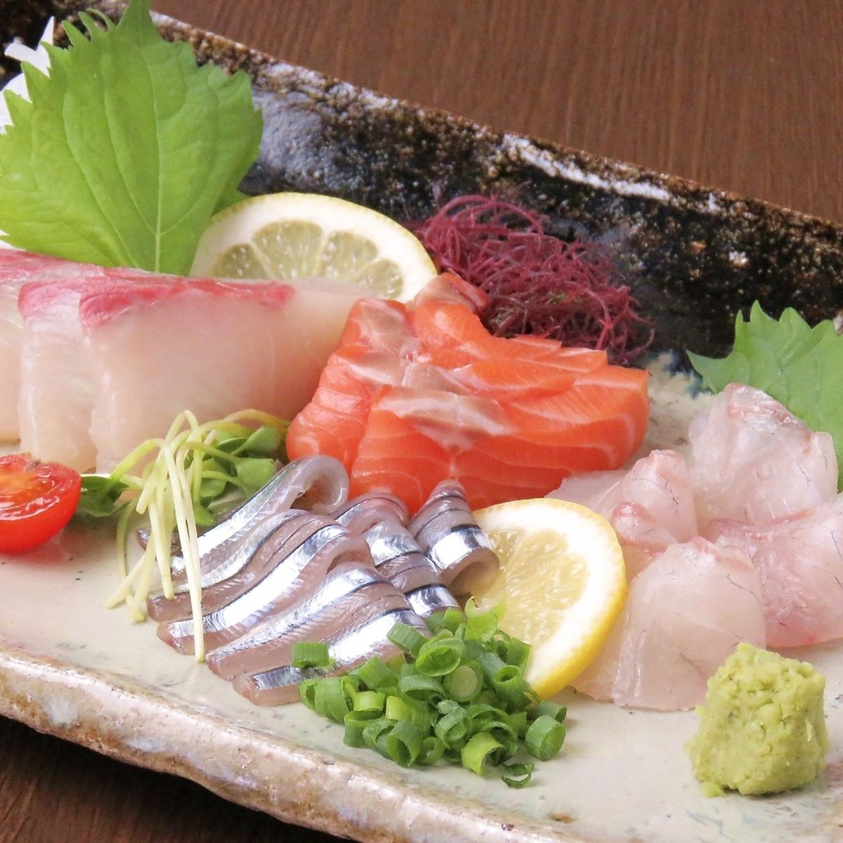 新鮮的生魚片也很實惠♪