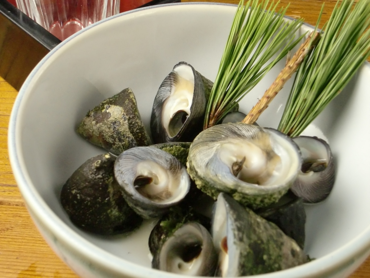 Shitaka shellfish with salt
