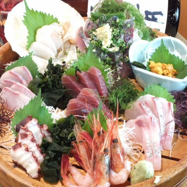 "Chigasaki, Misaki, direct delivery from Honmoku fishing port ★ Sashimi Assortment ""4 ~ 5 servings"" ⇒ 5000 yen!"