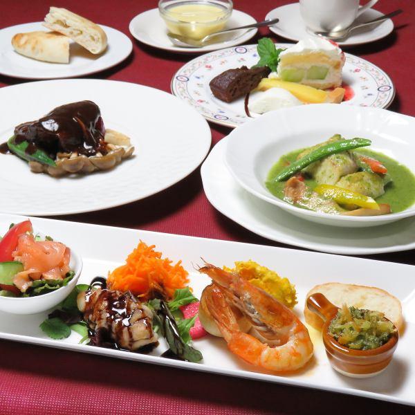 【おまかせディナーコース】は3種類『3400円・4000円・5000円』※デザートメッセージプレートも可能です。
