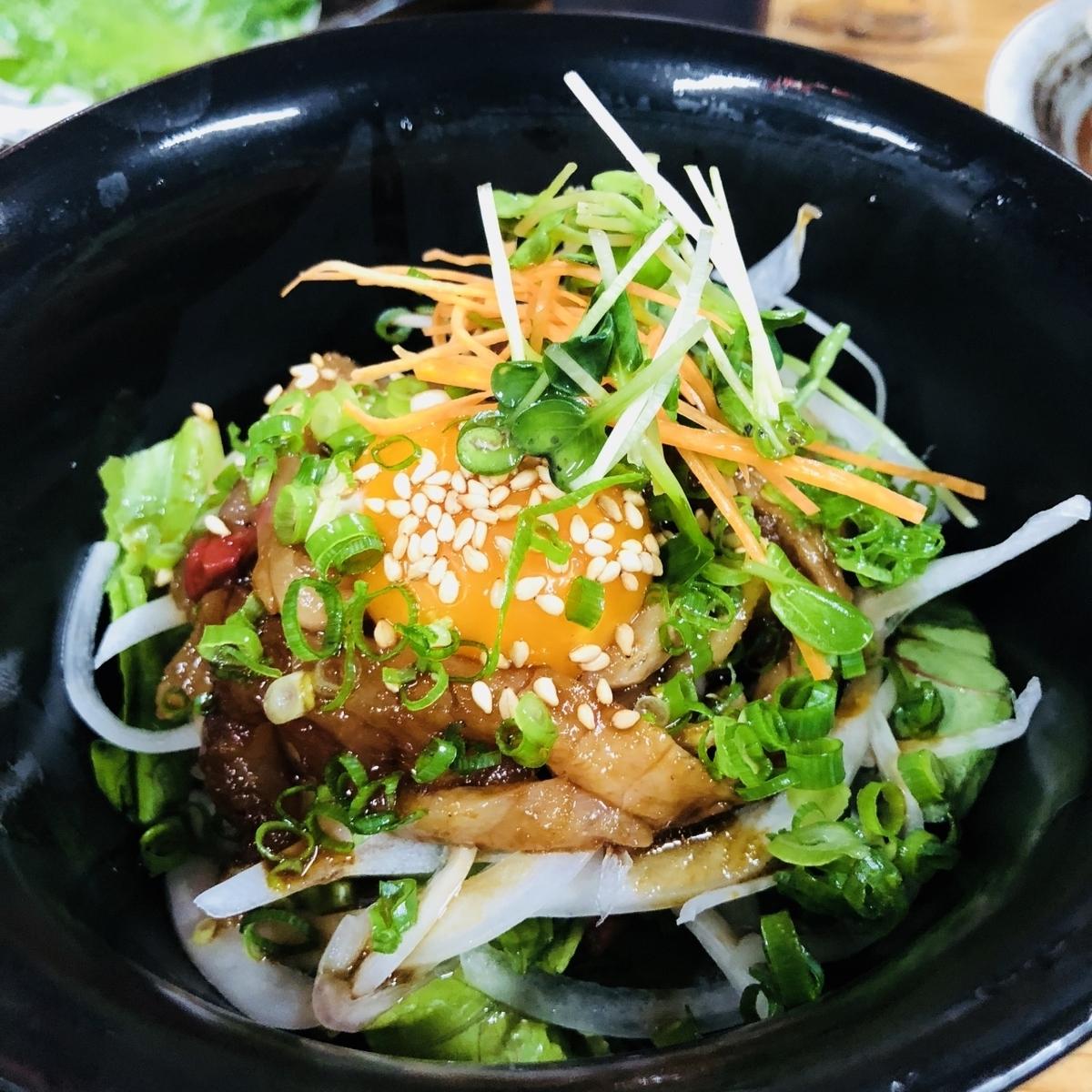 生サバユッケ丼/ぶっかけ飯/茶漬け