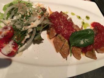 [ko-un 고기!】 츠쿠바 돼지 등심 스테이크 토마토 & 바질 소스