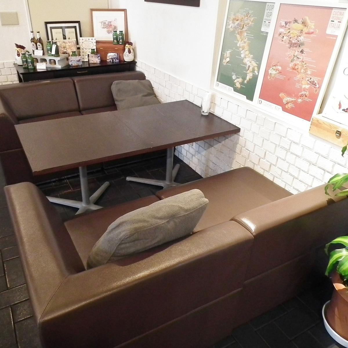 4人掛けソファー席×1