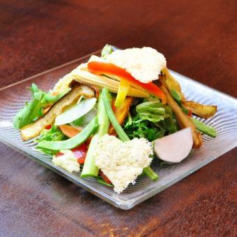 Whim salad chef
