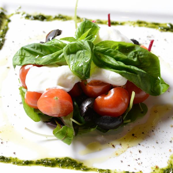 Italian mozzarella and tomato capsule