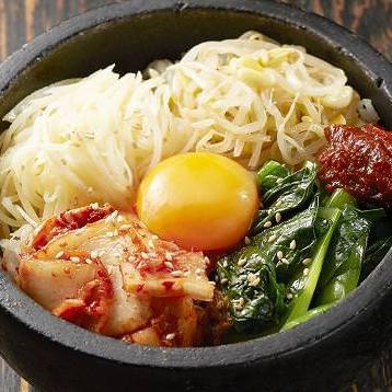 Specialty store taste Korean stone-grilled bibimbap