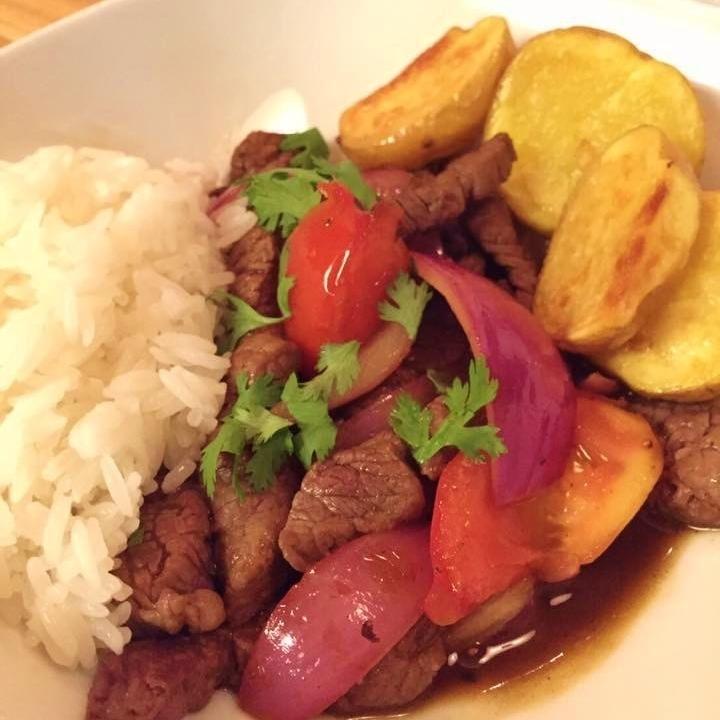 炒牛肉蔬菜