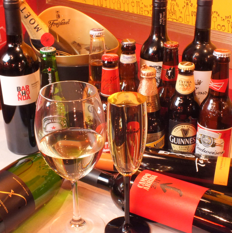 We have variety of drinks! All-you-can-drink barrel sparkling drinks course available!