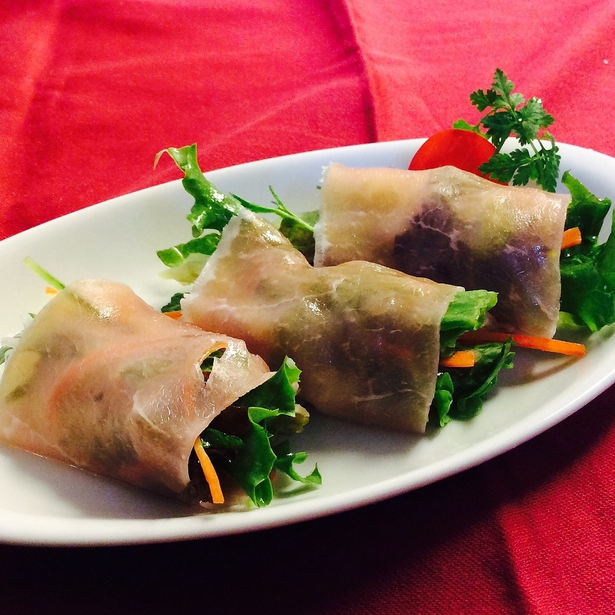 Raw ham rolled salad