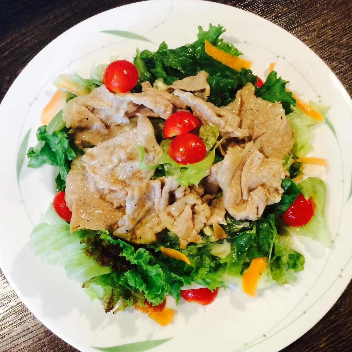 Itoshima猪肉bBQ沙拉