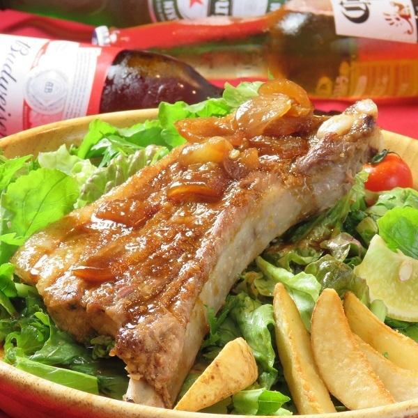 请享用Itoshima猪肉的骨头的味道!
