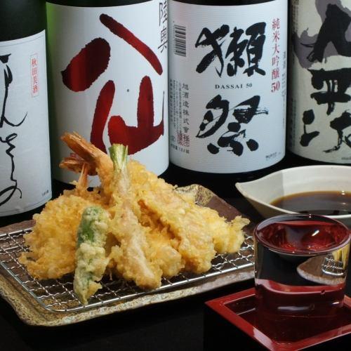 まさに職人技。揚げたての絶品天ぷらをご賞味ください。