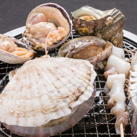 [Beach grilled 310 yen (excluding tax) ~] Akashi octopus, crab shell baked, Harami of Rin, fisherman-style'm like butter