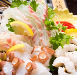 【At a casual party】 Three kinds of sashimi serving, creative skewers tempura, etc. All 8 items Seasonal à la carte course 120 minutes Drinking attachment 4500 yen