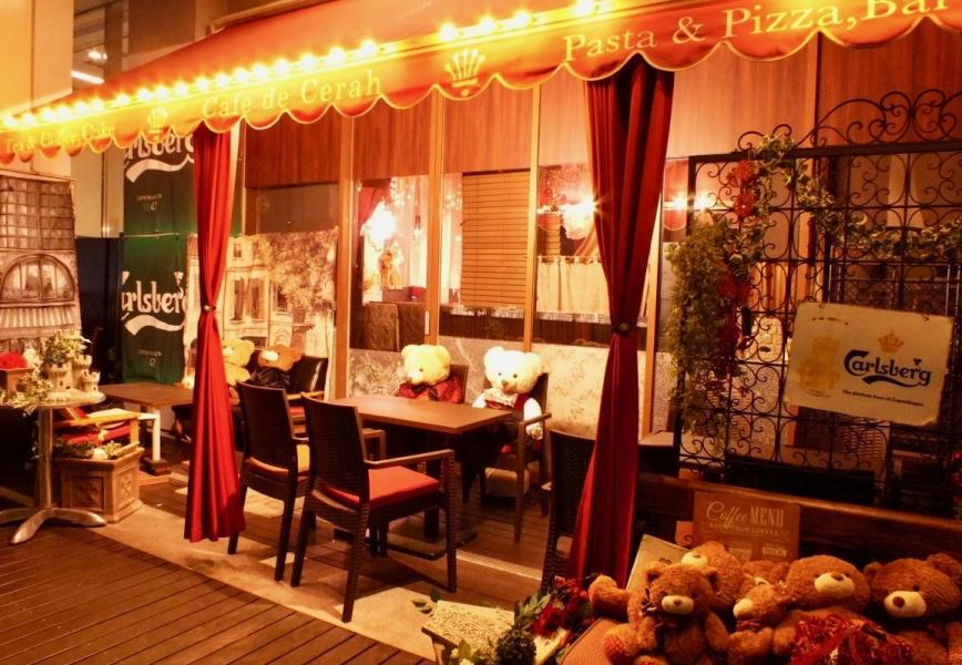 Atmosphere europian cafe & dining ♪ The interior decoration of the shop changes according to the season. The most popular anniversary, birthday seven great privilege courses are surprises! We also have cute decorations and goods! Also a bare cake plan is emerging ♪ Details to the course page !!