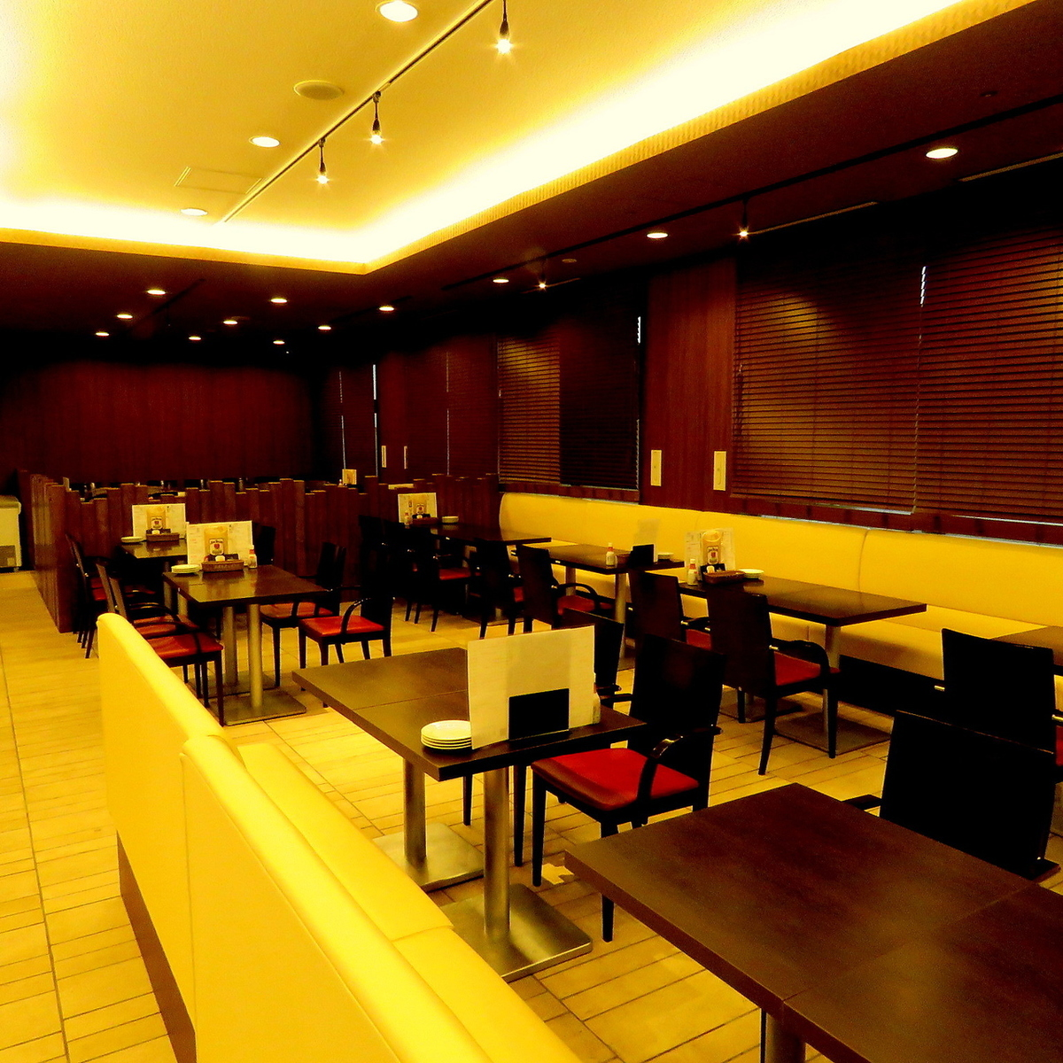 A large space is perfect for large banquets, charters ♪ The internet reservation is also possible as much as possible, so we can accommodate various people so we can reserve it.