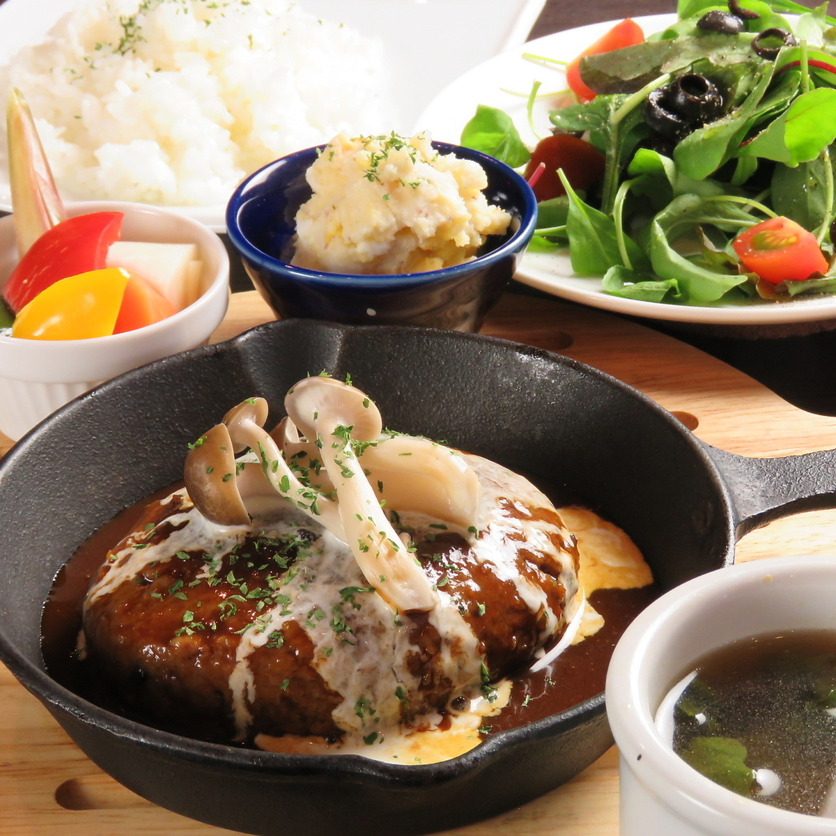 Kuroge Wagyu牛肉100%使用牛肉漢堡