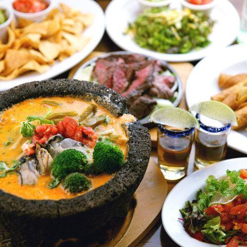人気のメキシカンバルで陽気なパーティーを♪メキシコビールや自家製サングリアも◎