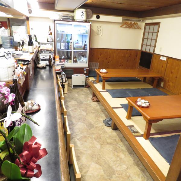 在座位和櫃檯座位的氣氛中的商店的內部,放鬆和放鬆◎桌子可以連接所以請用於各種宴會和歡迎接待♪可以20人的私人停車場!