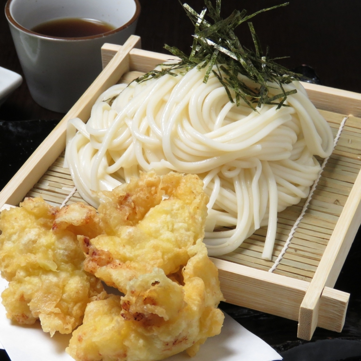 [Sakusaku精致的味道♪]天妇罗Zaru乌冬面700日元