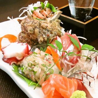 Assorted sashimi platter