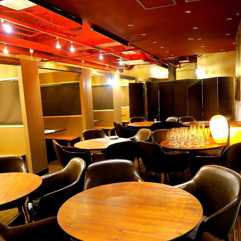 空間受歡迎的各種宴會!室內照明在平靜的氛圍中閃耀!享受大型宴會和中型宴會♪我們有足夠的座位適合各種宴會!請聯繫我們♪