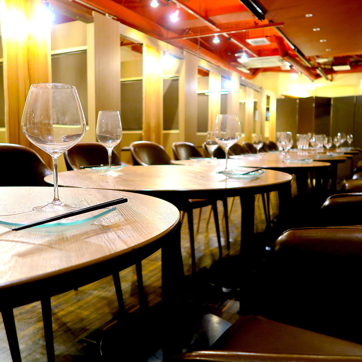 The inside of the store full of the owner's preference.It is ideal for moments of talking with relaxing friends such as birthday party or celebration party.