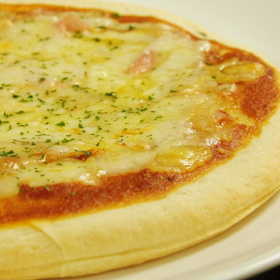 生火腿比薩
