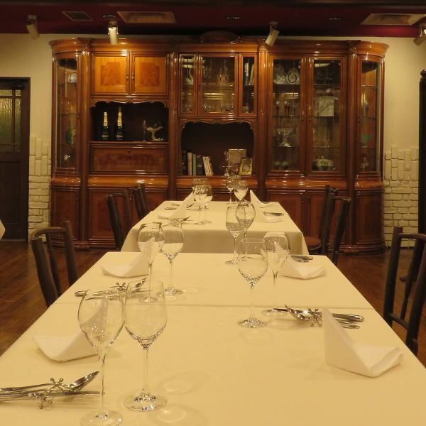 The classical space can be ordered from à la carte, even if it is not a perfect course for a date or birthday.Feel free to ♪