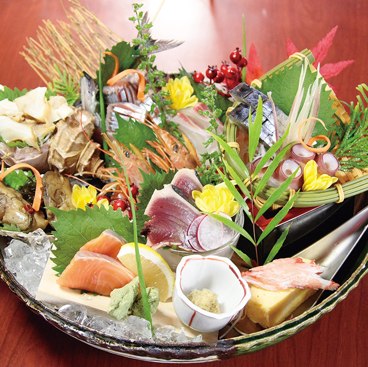 Assorted sashimi (3-5 servings)