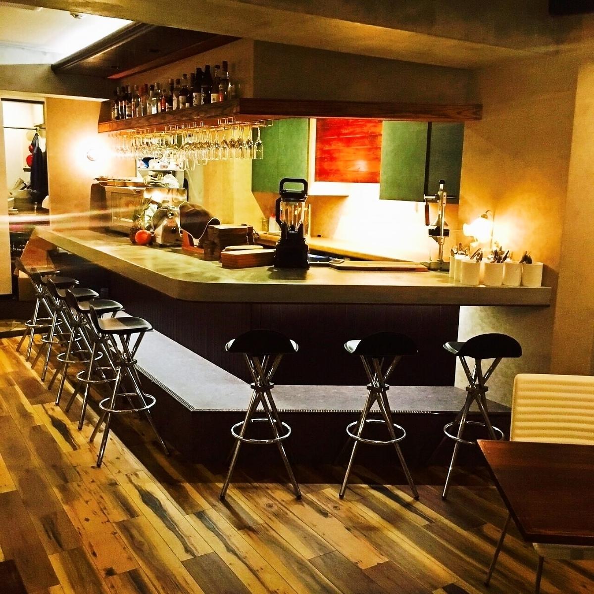 建议第二次使用的柜台和一点饮料★只是一个休闲和时尚的意大利酒吧喝酒!葡萄酒和鸡尾酒也合理和快乐!