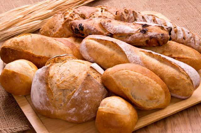 手工制作的面包拼盘