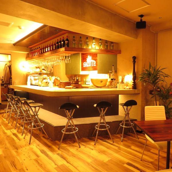カクテルやおつまみの種類も豊富★リーズナブルに愉しめるイタリアンバルでちょい飲み!