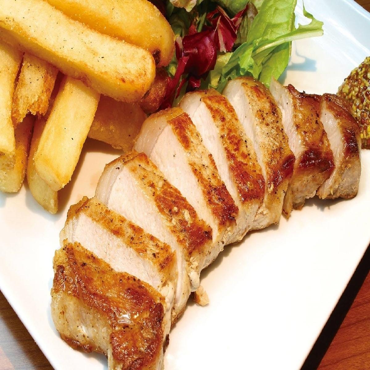 厚切りあぐー豚のロースステーキ