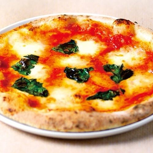 【本場ナポリピッツァ マルゲリータ】イタリア産の小麦を使用した本格派ピッツァ