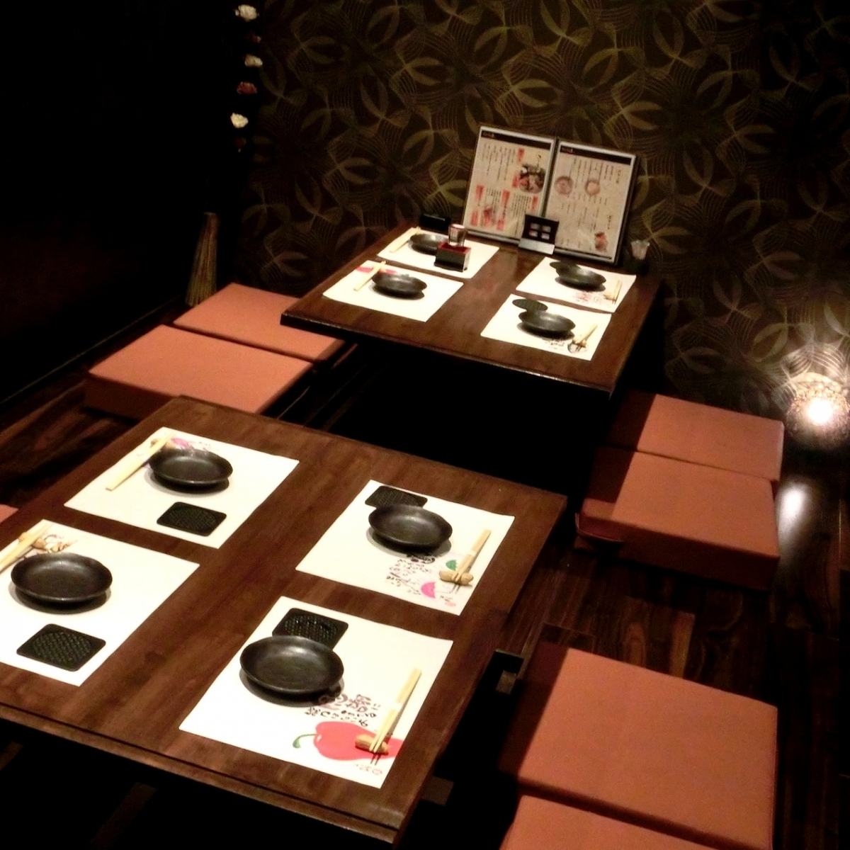 """如果您釋放私人房間,我們已經準備了一個私人房間,非常適合多達24人的各種宴會。如果您想在Nishi Umeda享用私人晚宴,您絕對可以擁有""""Japanese Shokuei""""!日式私人房間,可用於娛樂★我們也有包房和團體的私人房間。"""