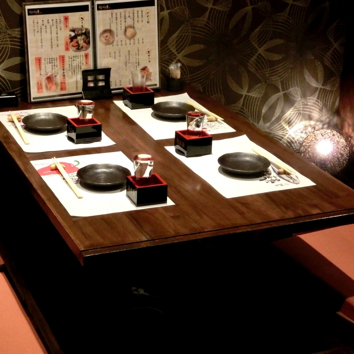 """我們正在準備一個私人房間,非常適合各種宴會,非常適合娛樂等。如果您想在Nishi Umeda享用私人晚宴,您絕對可以擁有""""Japanese Shokuei""""!日式私人房間,可用於娛樂★我們也有包房和團體的私人房間。"""