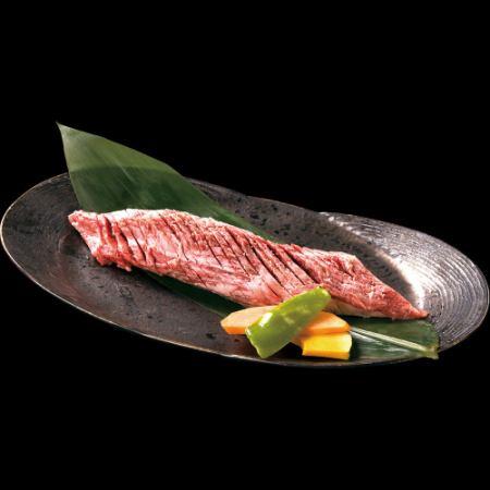 黒毛和牛ヒレモモ1本焼き