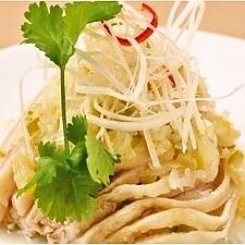 蒸し鶏の葱生姜ソース