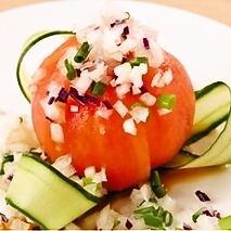 整個番茄沙拉