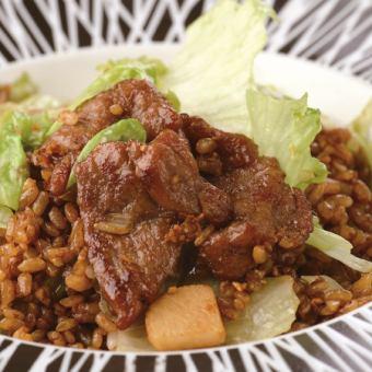 牛肉生菜炒飯
