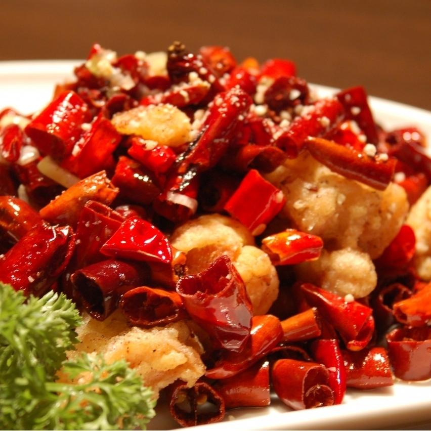 炒雞肉和四川辣椒
